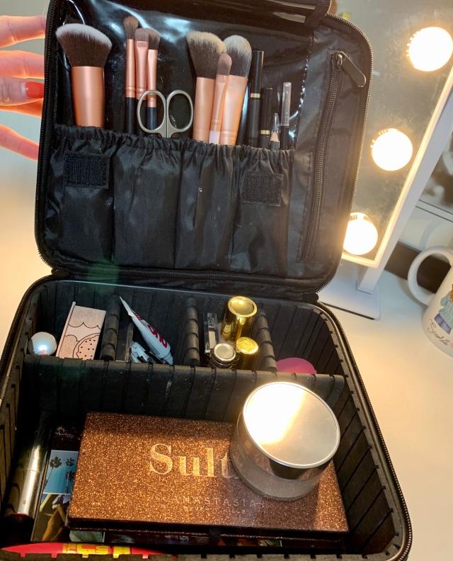 makeup bag pic